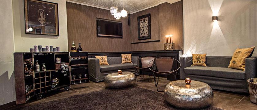 Hotel Heitzmann, Zell am See, Austria - Bar & lounge area.jpg